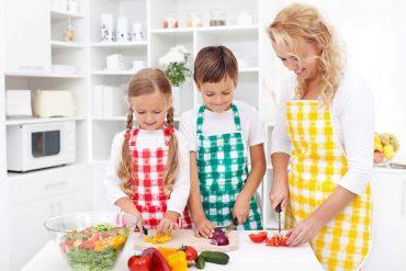 5 גאדג'טים מומלצים שיעשו לכם חיים קלים במטבח.